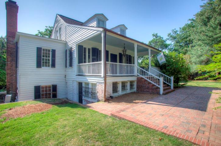 Mansions Historic Sand Hills Cottage