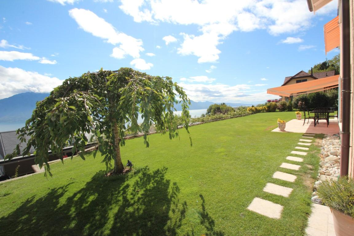 Superb detached villa with 10 rooms in Chardonne luxury properties