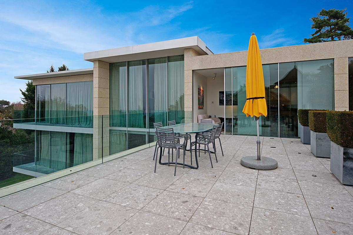 contemporary luxury and authenticity luxury homes