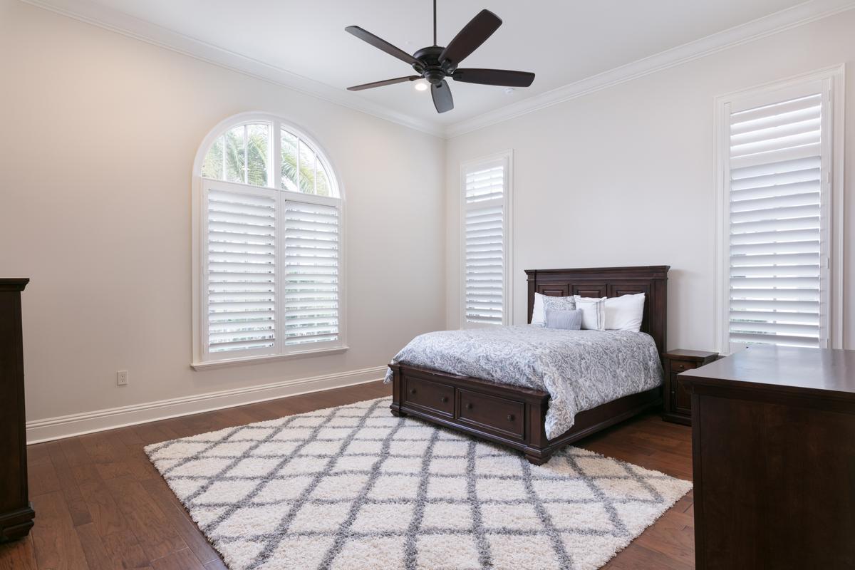 Luxury homes 10233 MOREY COURT