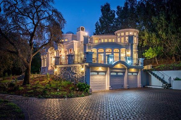 Three-story Los Altos Hills Estate | LuxuryPortfolio Blog